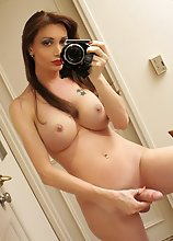 Well hung tranny girlfriend shooting her own nude photos